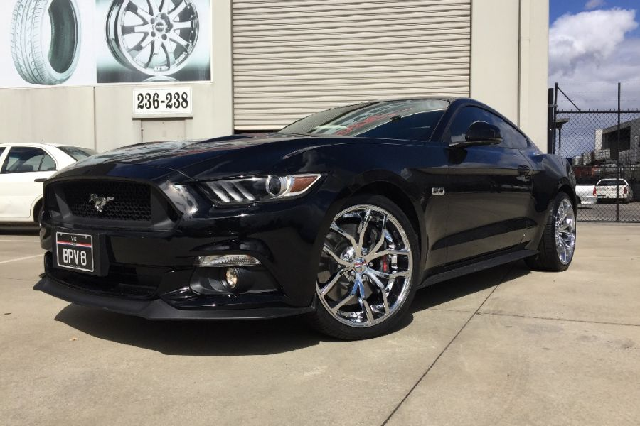 Ford Mustang With Foose Outcast Wheels In 20 Inch Chrome