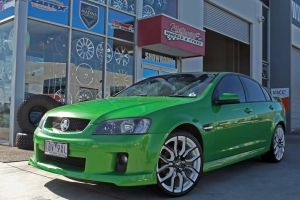 G8 f series wheels in white and black  |  | HOLDEN