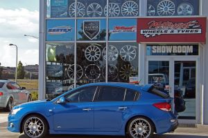 HOLDEN CRUZE WITH H472  |  | HOLDEN