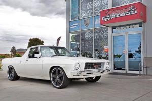 HQ WITH MADINA WHEELS  | HOLDEN