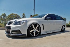 HOLDEN VE COMMODORE with HR-561 20 INCH - AIRBAGGED!! |  | HOLDEN