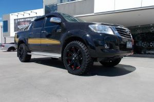 TOYOTA HILUX SR5 with BLADE SERIES V |  | TOYOTA