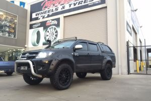 TOYOTA HILUX 4X4 with 20X9 MOTO METAL WHEELS |  | TOYOTA