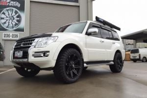 MITSUBISHI PAJERO with BLADE SERIES V wheels in 20 INCH |  | MITSUBISHI