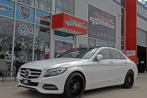 MERCEDES C CLASS WITH 1060  | MERCEDES