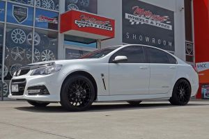 HOLDEN WITH H-1060 20X8.5 20X10  |  | HOLDEN