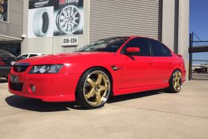 HOLDEN VZ COMMODORE with HR-R1 20 |  | HOLDEN