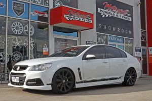 HOLDEN VF WITH 20 INCH B-BOSS ELEANOR WHEELS  |  | HOLDEN