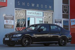 BMW 3 SERIES WITH 19 INCH HR-CSL2 WHEELS IN BLACK  |  | BMW