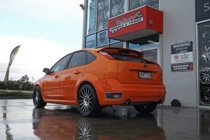 FORD FOCUS XR5 WITH 18 INCH OX110 WHEELS  |  | FORD