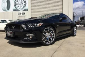FORD MUSTANG with FOOSE OUTCAST WHEELS IN 20 INCH CHROME |  | FORD