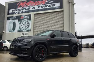 JEEP CHEROKEE SRT8 with 22 INCH VERTINI DYNASTY |  | JEEP