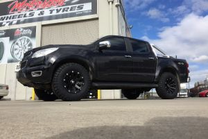 HOLDEN COLORADO with BLADE SERIES III 17X9 WHEELS |  | HOLDEN