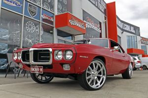 PONTIAC FIREBIRD WITH U.S MAGS  |  | HOLDEN
