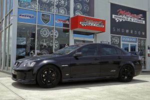 HOLDEN COMMODORE WITH VERTINI DYNASTYS  |  | HOLDEN
