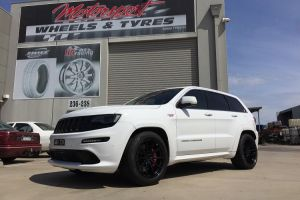 JEEP SRT8 with VERTINI RF1.1 20 inch wheels |  | JEEP
