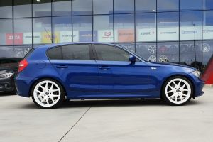 BMW 1 SERIES WITH 19 INCH H762 WHEELS |  | BMW