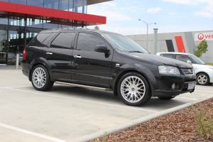 FORD TERRITORY WITH 20 INCH TI+33 WHEELS |  | FORD
