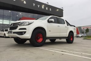 HOLDEN COLORADO WITH 17X9 GLOSS RED FUEL ZEPHYR WHEELS |  | HOLDEN