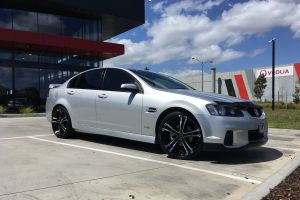 HOLDEN COMMODORE WITH 20X8.5 OX962 WHEELS |  | HOLDEN