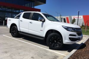 HOLDEN COLORADO WITH 18 INCH BLADE SERIES III WHEELS |  | HOLDEN