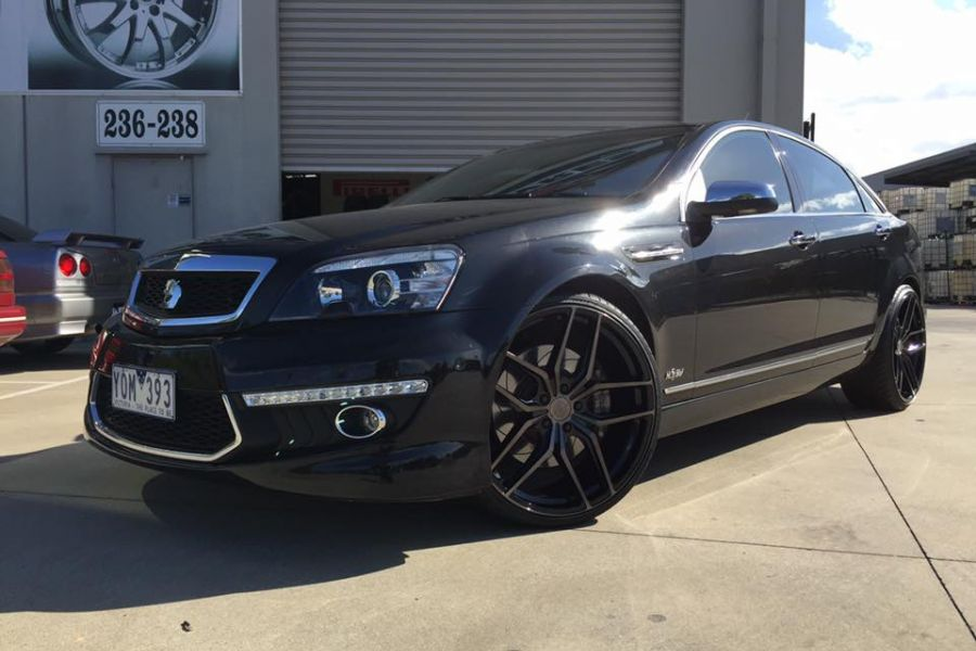 HSV GRANGE fitted with STANCE SF03 22