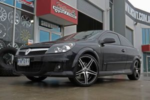 HOLDEN ASTRA WITH HR RACING 585 |  | HOLDEN