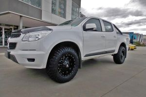 HOLDEN COLORADO with BLADE SERIES 1 17X9 |  | HOLDEN