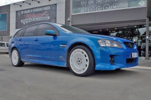 HOLDEN VE COMMODORE with HDT AERO 19 INCH WHITE |  | HOLDEN