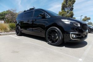 KIA CARNIVAL with HR-762 |  | KIA