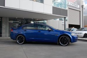 HOLDEN VE COMMODORE with LENSO GROOVE |  | HOLDEN