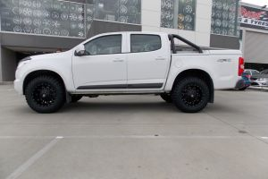 HOLDEN COLORADO with BLADE SERIES I  |  | HOLDEN