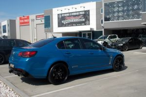 HOLDEN VF SS COMMODORE with LENSO D1R |  | HOLDEN