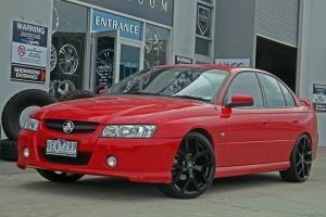 COMMODORE WITH G8 SERIES II BLACK  |  | HOLDEN