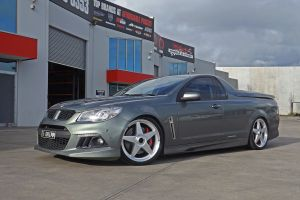 HOLDEN VF MALOO WITH STAR WHEELS  | HOLDEN