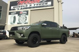 TOYOTA HILUX with 17 inch METHOD NV WHEELS |  | TOYOTA