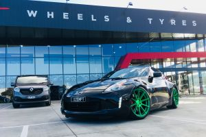 NISSAN 370Z WITH KOYA SF04 PSYCHO GREEN |  | NISSAN