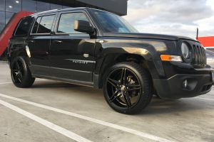 JEEP PATRIOT with 20 inch H-585 Wheels |  | JEEP