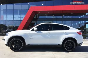 BMW X6 WITH 22X9 M-02 WHEELS |  | BMW