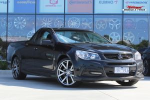 HOLDEN VF COMMODORE WITH 20 INCH HSVi VF HF-20 FORDGED WHEELS |  | HOLDEN