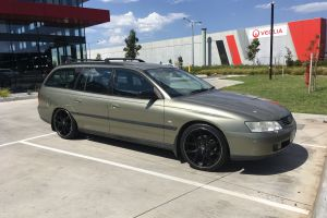 HOLDEN VY COMMODORE WITH 19X8.5 H762 WHEELS | HOLDEN