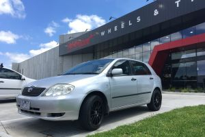 TOYOTA COROLLA WITH 17X7 INCH H-220 WHEELS |  | TOYOTA