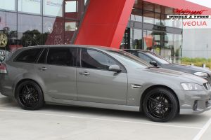HOLDEN VE WAGON WITH 20X8.5 HR RACING H-585 WHEELS |  | HOLDEN