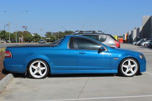 HOLDEN UTE WITH 20 INCH FULL WHITE HRRACING R1 WHEELS | HOLDEN