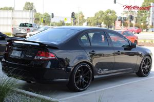 FORD FALCON WITH 20 INCH HR RACING H762 WHEELS | FORD