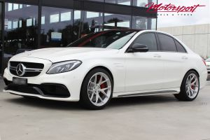 MERCEDES BENZ C63 WITH 19 INCH BC FORGED RZ21 WHEELS |  | MERCEDES BENZ C63 WITH 19 INCH BC FORGED RZ21 WHEELS