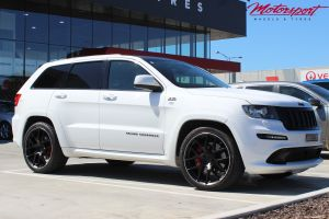 JEEP GRAND CHEROKEE SRT8 WITH 22X10.5 HR RACING M02 WHEELS |  | JEEP