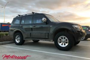 Mitsubishi Pajero with Mickey Thompson Classic III polished Wheels |  | Mitsubishi