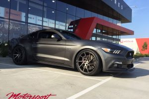 FORD MUSTANG WITH 20 INCH AMERICAN RACING CROSSFIRE WHEELS |  | FORD