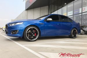 FORD FGX WITH HR RACING R1 WHEELS |  | FORD